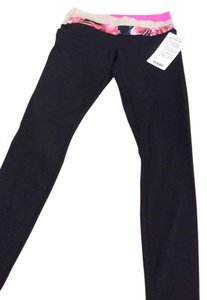 Lululemon Black w/colored waist band /8 Leggings