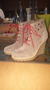 Guess light beige Boots