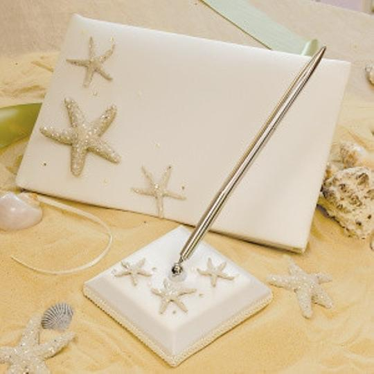 Preload https://item1.tradesy.com/images/white-starfish-guest-book-and-pen-set-53115-0-0.jpg?width=440&height=440