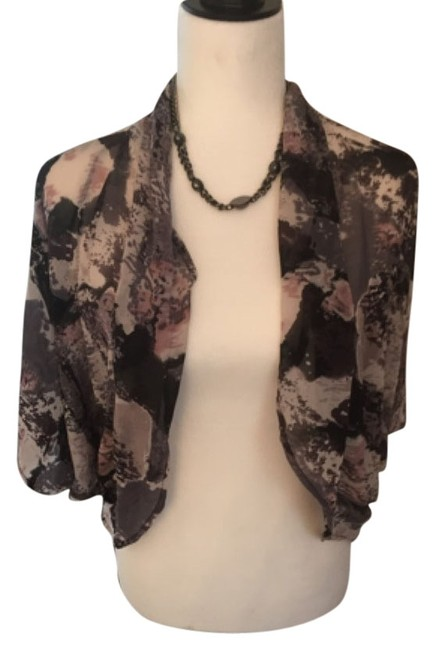 Preload https://item1.tradesy.com/images/blouse-size-10-m-5312740-0-0.jpg?width=400&height=650