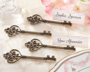 Kate Aspen Key To My Heart - Victorian-style Key Place Card Holder - - 96 Placeholders Wedding Favors