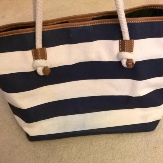 Tommy Hilfiger Tote in White And Navy Blue