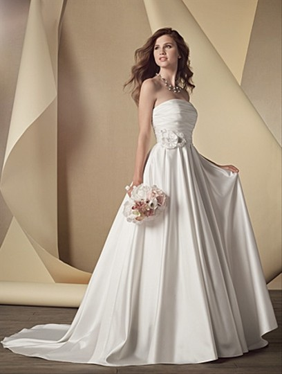 Alfred Angelo Style # 2441 Wedding Dress