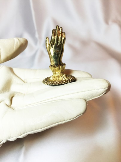 Other Place Card Holders ; Set of 8 ; Beautiful Hands [ Roxanne Anjou Closet ]