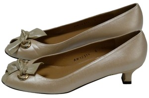Stuart Weitzman Leather Saffiano Peep-toe Cream Champagne Pumps