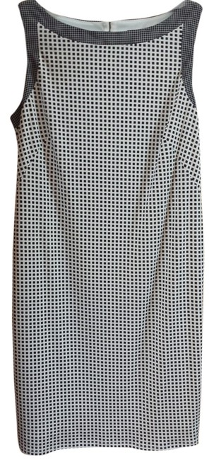 Preload https://item5.tradesy.com/images/ann-taylor-black-and-white-above-knee-workoffice-dress-size-10-m-5326159-0-0.jpg?width=400&height=650