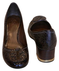 a287f83e7de75 Tory Burch Patent Leather Faux Crocodile Chunky Heel Leather Gold Accent  Low Heel Casual Dark Fig