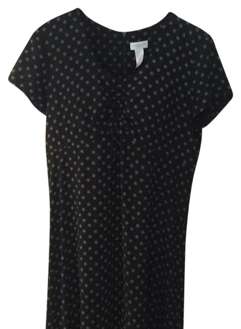 Preload https://img-static.tradesy.com/item/5334115/liz-claiborne-black-w-small-starburst-polka-dots-short-sleeve-long-workoffice-dress-size-14-l-0-0-650-650.jpg