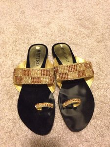 metro shoes Gold Sandals