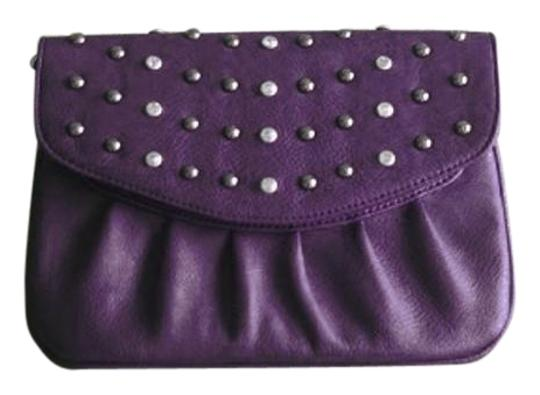 Preload https://item3.tradesy.com/images/ruched-sparkle-detachable-strap-dark-purple-faux-leather-clutch-5336977-0-3.jpg?width=440&height=440