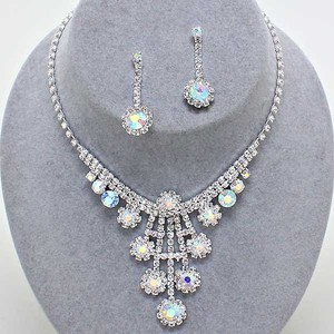 Elegant Bejeweled Sparkling Rhinestone Crystal Ab Bridal Wedding Formal Necklace And Earring Accessory Jewelry