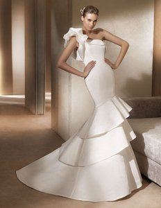 Pronovias Allison Wedding Dress