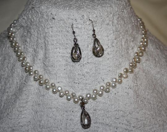 Pearl (White) Dangle Tear Drop Necklace and Earring Jewelry Set