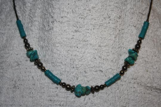 UNKNOWN HANDMADE SILVER BEADED AND FAUX TURQUOISE NECKLACE