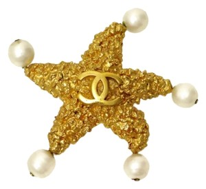 Chanel RARE VINTAGE CHANEL STAMPED '93C GOLD PLATED CC STARFISH PIN