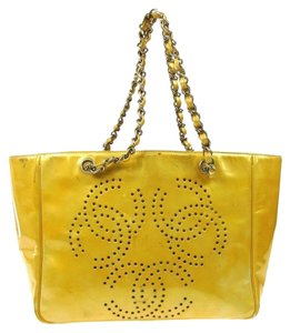 Chanel Chain Shoulder Tote in Yellow