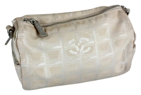 Preload https://item2.tradesy.com/images/chanel-beige-make-up-pouch-cosmetic-bag-5343046-0-0.jpg?width=440&height=440