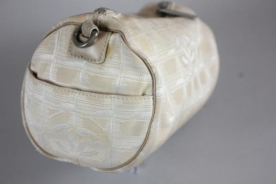 Chanel * Chanel Make Up Pouch - Beige