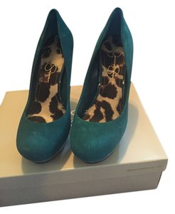 Jessica Simpson Emerald Pumps