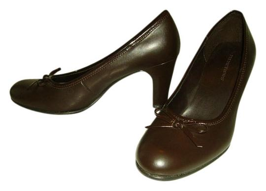 Predictions chocolate brown Pumps