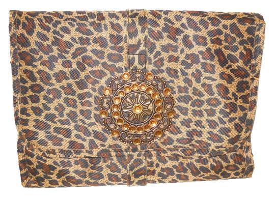 Preload https://item3.tradesy.com/images/organizer-tan-black-and-brown-animal-print-polyester-weekendtravel-bag-5346712-0-0.jpg?width=440&height=440