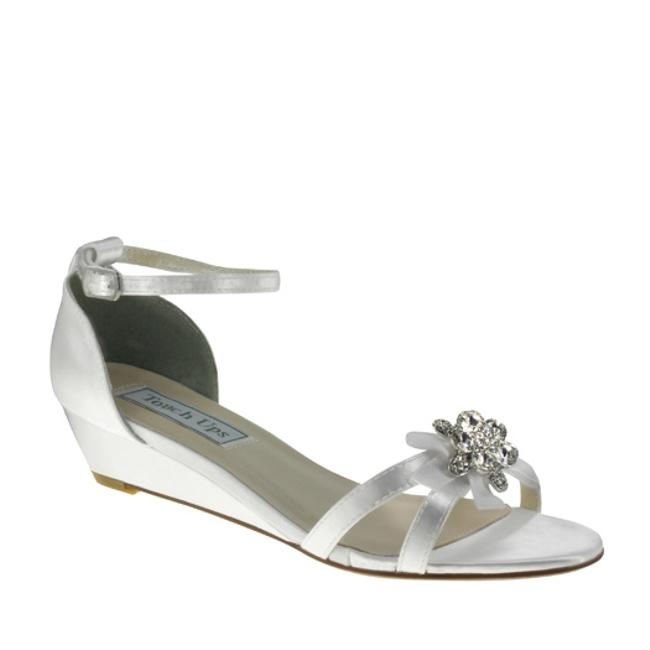 Item - White Wedge Sandals Size US 9.5