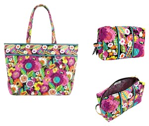 Vera Bradley Tote in Va Va Bloom