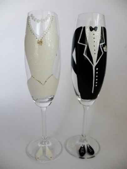 Preload https://img-static.tradesy.com/item/53582/other-hand-painted-toasting-flutes-set-of-2-pers-reception-decoration-0-0-540-540.jpg