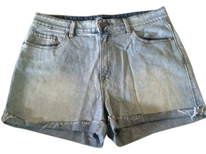BDG Cuffed Shorts Light denim