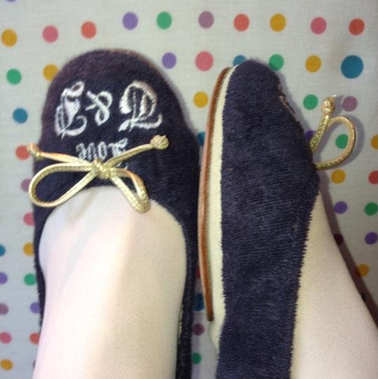 Juicy Couture Navy blue w/white stiching Flats