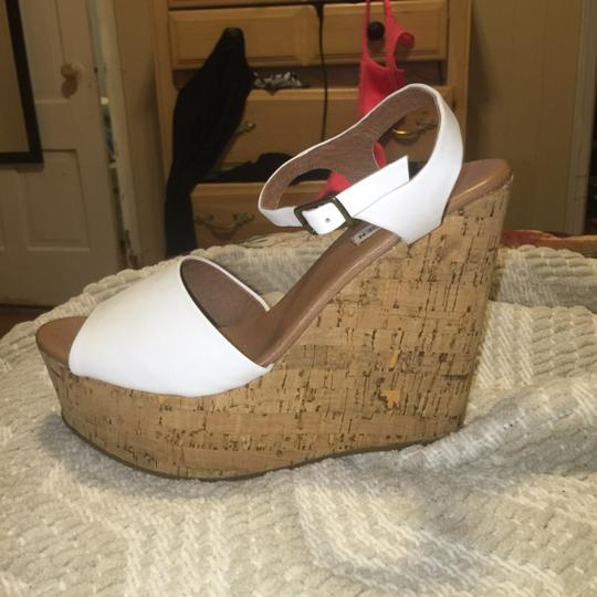Steve Madden White/cork Platforms