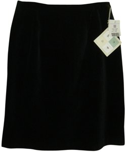 SUSAN BRISTOL Plush Mach Wash Nwt Skirt BLACK