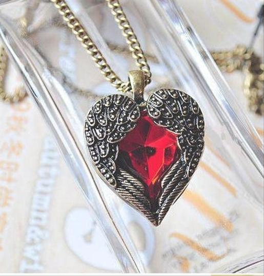 Other ANGEL WING FIRE HEART RED RETRO/VINTAGE STYLE NECKLACE