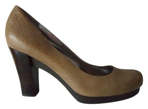Calvin Klein Ck Leather Size 9 Caramel Pumps