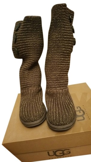 Preload https://item4.tradesy.com/images/ugg-australia-chg-brown-with-gold-classic-cardy-bootsbooties-size-us-6-regular-m-b-5381338-0-0.jpg?width=440&height=440
