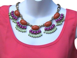 Other Elegant Fashion Flower Resin Crystal Bib Necklace