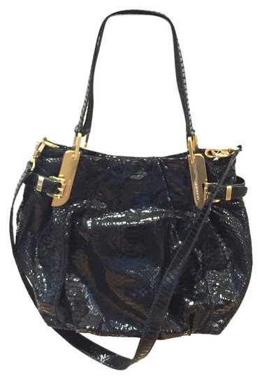 Preload https://item1.tradesy.com/images/michael-kors-black-patent-leather-satchel-5386225-0-0.jpg?width=440&height=440