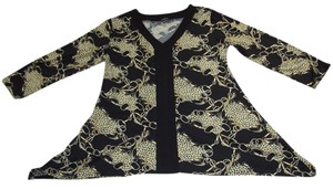 Elementz V-neckline 3/4 Sleeves Allover Print Unlined Asymmetrical Hem Top BLACK