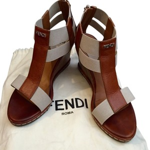 Fendi latte Wedges