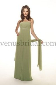 Venus Bridal Lavender Bella Maids D411 Dress