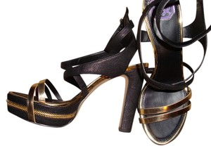 DMSX Donald J. Pliner BLACK AND GOLD Platforms