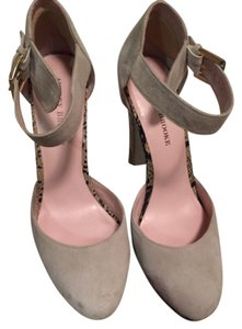 Audrey Brooke Light grey Platforms