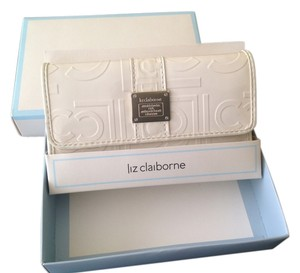 Liz Claiborne Woman Tradesy Tweet Wallet Cream 107 Clutch