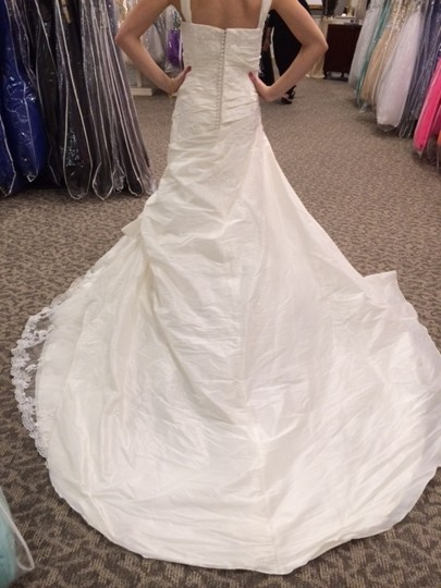 Pronovias Off-white Taffeta/Lace Mireia Modern Dress Size 20 (Plus 1x)
