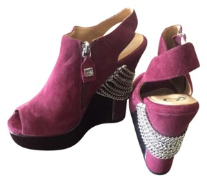 Rough Justice Burgandy Wedges