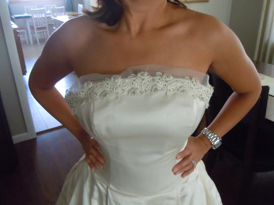 Amsale Ivory Duchess Satin Silk Formal Wedding Dress Size 6 (S)