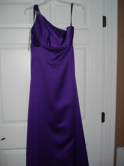 Preload https://img-static.tradesy.com/item/54001/alfred-angelo-purple-satin-7068-formal-bridesmaidmob-dress-size-4-s-0-0-540-540.jpg