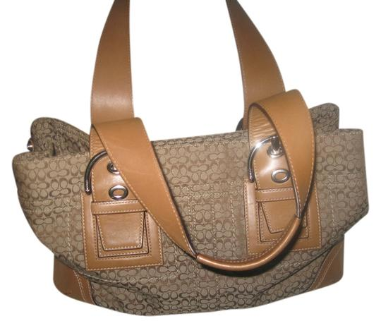 Preload https://item2.tradesy.com/images/coach-signature-canvasleather-shoulder-bag-540396-0-0.jpg?width=440&height=440