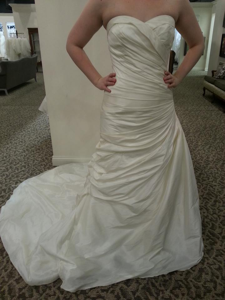 Mori lee ivory luxe taffeta 4530 modern wedding dress size for Mori lee taffeta wedding dress