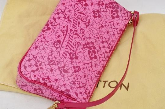 Louis Vuitton pink Clutch